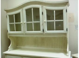 Настенный шкаф-витрина Лотос сосна Б-1077BRU (брашированный крем)